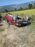 HACıHAMZA - Kargı'da Otomobil Takla Attı Açıklaması 3 Yaralı