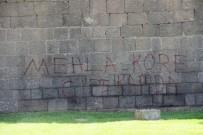 ARGO - Tarihi Surlar Yazı Tahtasına Döndü