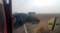 İŞ MAKİNESİ - Traktör İle Kamyon Çarpıştı Açıklaması 1 Yaralı