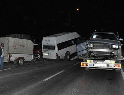 Afyonkarahisar'da trafik kazası: 11 yaralı