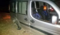 TİCARİ ARAÇ - Alkollü Sürücü Patlak Lastiklere Aldırış Etmeden Yola Devam Etti