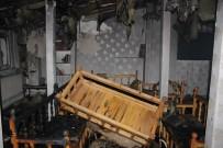 YANGINA MÜDAHALE - Elazığ'da Çatı Yangını