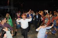 REKOR DENEMESİ - Eski Bakandan Efeleri Kıskandıracak Zeybek Gösterisi