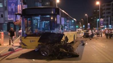 İETT otobüsüyle otomobil çarpıştı: 1 ölü, 3 yaralı