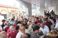 BALIKÇI ESNAFI - Balık Semt Pazarı Açılışında Balık Ekmek İzdihamı