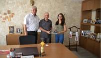 HACETTEPE ÜNIVERSITESI - Başkan Saraoğlu, Tıp Fakültesi'ni Kazanan Öğrenciye Stetoskop Hediye Etti