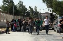 ÖNCÜPINAR - Bayramı Ülkelerinde Geçiren 25 Bin Suriyeli Türkiye'ye Döndü