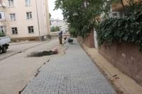 İSTİNAT DUVARI - Bingöl'de Üstyapı Çalışmaları