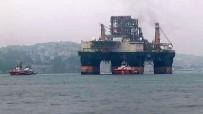 KIYI EMNİYETİ - Dev Platform İstanbul Boğazı'ndan Geçiyor
