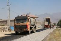 YOL ÇALIŞMASI - Develi Belediyesinin Sindelhöyük'teki Hizmetleri Devam Ediyor