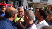 TOPLU KONUT - Dolmuşçular Belediye Binası Önünde Eylem Yaptı