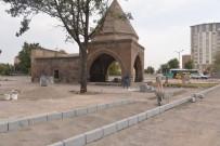 MİMARİ - Dört Ayaklı Türbesi İçin Onarım Ve Çevre Düzenlemesi