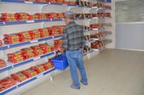 SOSYAL YARDIM - Gıda Bankası İhtiyaç Sahiplerinin Yüzünü Güldürüyor