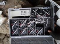 KALAŞNIKOF - Hakkari'de Mağarada Çok Sayıda Mühimmat Ele Geçirildi
