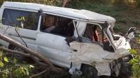 İLK MÜDAHALE - Kastamonu'da Araç Şarampole Devrildi Açıklaması 1 Ölü, 1 Yaralı