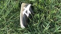 Minik Hamza'dan Geriye Ayakkabısı Kaldı