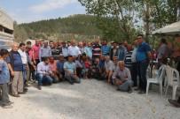 BURHANETTIN KOCAMAZ - Mut'ta Kırsal Mahalle Yolları Asfalta Kavuştu