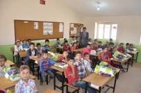 SINIF ÖĞRETMENİ - Necmettin Öğretmenin Öğrencileri Ders Başı Yaptı