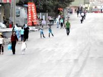 BİSİKLET - Şırnaklı Çocukların Asfaltlanan Yollarda Paten Keyfi