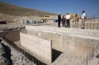 KÖY MUHTARI - Vali Ali Hamza Pehlivan, Yapımı Devam Eden Ahır Projelerini İnceledi