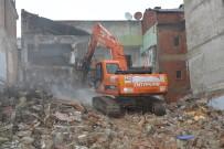 MADDE BAĞIMLILIĞI - Yıldırım'da 276 Metruk Bina Yıkıldı
