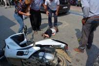YARALI ÇOCUK - Yola Fırlayan Çocuğa Motosiklet Çarptı