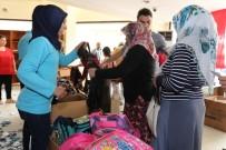 EĞİTİM YILI - 4 Bin Öğrenciye Çanta Ve Kırtasiye Yardımı