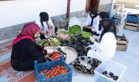 AHİLİK TEŞKİLATI - Bacıyan-I Meram Ev Ekonomisine Katkı Sağlıyor