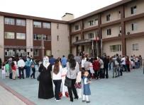 BAHÇEŞEHIR - Bahçeşehir Kolejinden Müzikli Açılış
