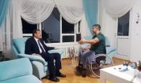 ÖZEL KUVVETLER - Başbakan Yardımcısı Çavuşoğlu Kahraman Komutanı Evinde Ziyaret Etti
