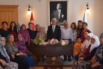YOL ÇALIŞMASI - Başkan Gürün'e Çam Sakızı Çoban Armağanı Teşekkür