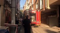 TAHKİKAT - Bursa'da 6 Katlı Binanın Çatı Katında Yangın Çıktı