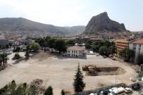 AFYONKARAHISAR BELEDIYESI - Cumhuriyet Meydanı Projesinde İlk Etap Başladı