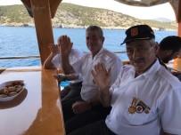 BODRUM BELEDİYESİ - Gazilere Tekne Turu Attırdılar