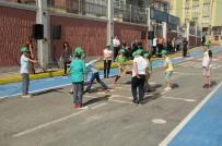 SATRANÇ - Gaziosmanpaşa'da Çocuklar Sanal Oyunları Bırakıp Oyun Sokağına Koştu