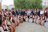 GENÇLİK MERKEZİ - Gençlik Ve Spor Bakanı 40 Davul-Zurna İle Karşılandı