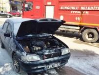 YANGINA MÜDAHALE - Hareket Halindeki Otomobil Alev Aldı
