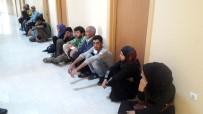 EMEKLİ POLİS - Hatay'da 36 Kaçak Göçmen Yakalandı