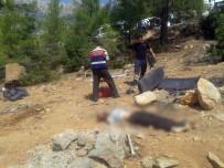 Karaman'da İşçileri Taşıyan Minibüs Uçuruma Yuvarlandı Açıklaması 1 Ölü, 6 Yaralı