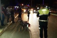 MOTOSİKLET SÜRÜCÜSÜ - Milas'ta Motosiklet Yayaya Çarptı; 2 Yaralı