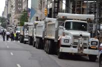 POLİS TEŞKİLATI - New York'ta Teröre Karşı Kum Kamyonlu Önlem