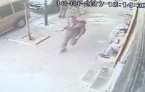 (Özel) Zeytinburnu'nda Onlarca Kişinin Önünde Suriyeli Şahıs Bacanağını Bıçakladı