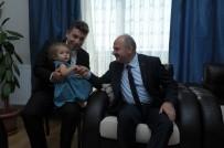 ÖZDEMİR ÇAKACAK - Vali Çakacak Ve Komutan Gülan, Gazi Akbulut'u Evinde Ziyaret Etti