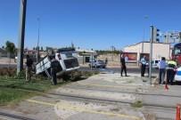 GESI - 2 Otomobil Çarpıştı Açıklaması 3 Yaralı