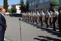 HÜSEYIN AKSOY - Başbakan Yardımcısı Işık, Askerlerle Bayramlaştı