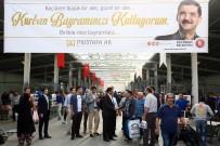 BAYRAM HARÇLıĞı - Başkan Ak, Kurban Kesim Alanında Vatandaşlarla Bayramlaştı