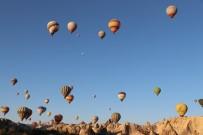 KUŞ BAKıŞı - Kurban Bayramında Turistlerin Tercihi Balon Turları Oldu