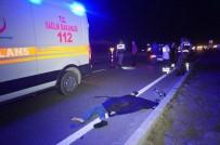 KARAGEDIK - Minibüsün Çarptığı Çocuk Hayatını Kaybetti