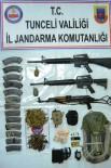 UZUNTARLA - Teröristlerin Etkisiz Hale Getirildiği Bölgede Silah Ve Mühimmat Ele Geçirildi