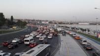 AVRASYA TÜNELİ - Avrasya Tüneli İstikametinde Trafik Durma Noktasına Geldi